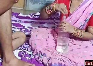Desi Thick Ass Aunty Ki Gand Utha Ke Chudayi Kari Or Muth Piss